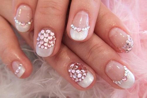 Frech manucure - décoration diamant