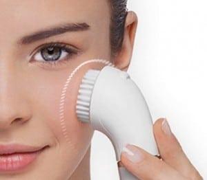 avantages brosses nettoyantes pour le visage
