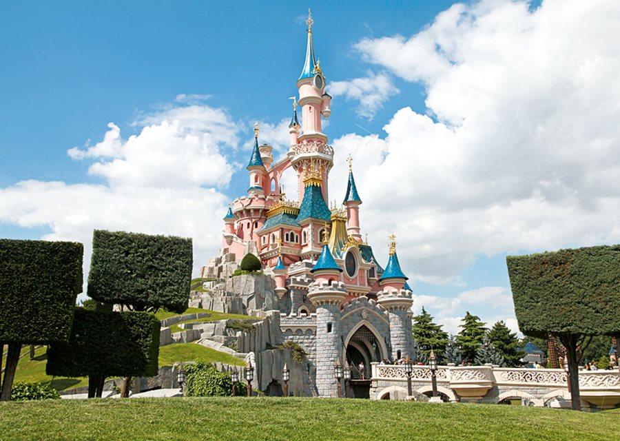 chateau de disneyland