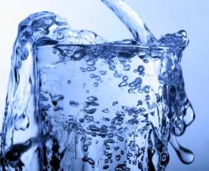 verre d'eau pour bronzer